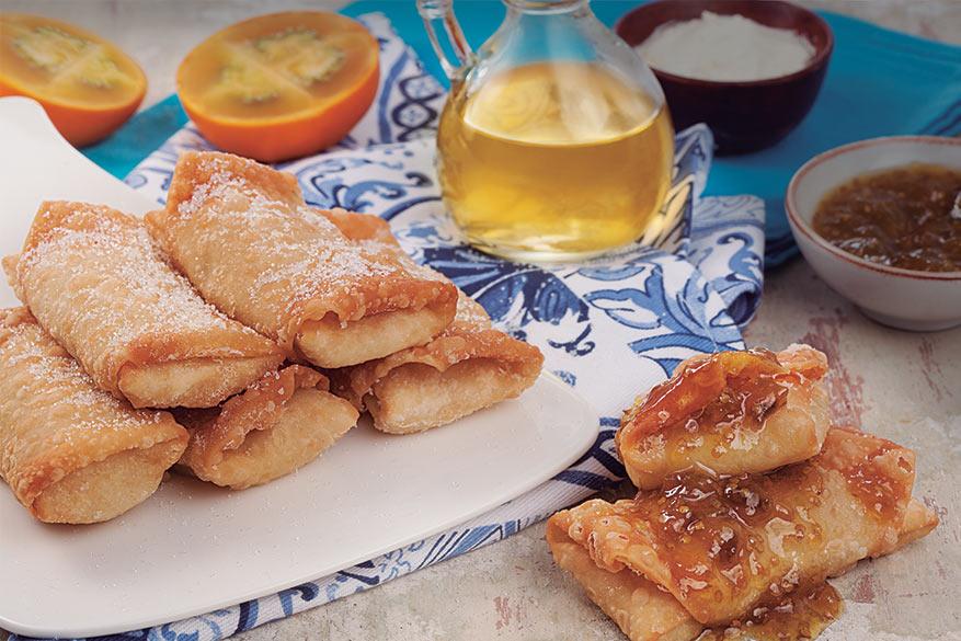 Rollitos de queso crema con salsa de lulo